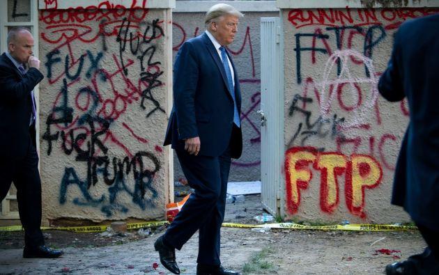 """""""Lo que pasó en la ciudad anoche es una deshonra absoluta"""", dijo Trump desde la Casa Blanca, mientras la policía dispersaba una protesta a metros del edificio. Foto: AFP"""