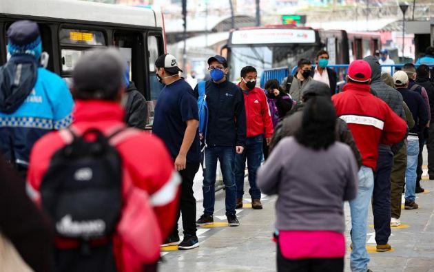 El transporte público podrá funcionar con el 50% de aforo. Foto: EFE.