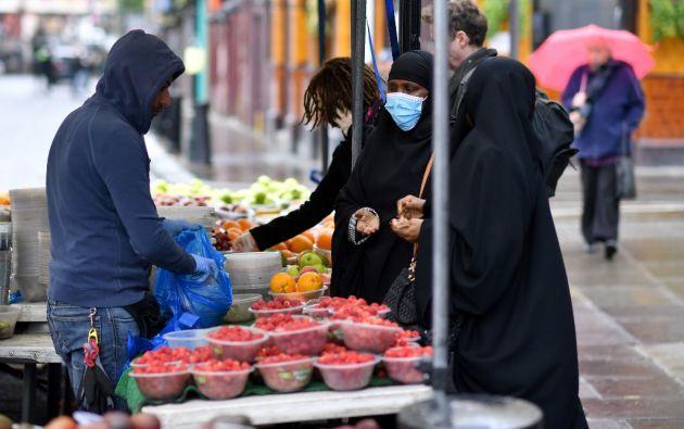 """""""Las máscaras, por sí solas, no protegen de la COVID-19"""", precisó en una conferencia de prensa virtual el director general de la Organización Mundial de la Salud, Tedros Adhanom Ghebreyesus."""