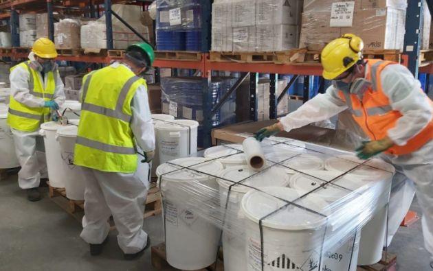 19 toneladas de plaguicidas serán gestionadas en Europa, debido a las características químicas de los productos y las 54 toneladas restantes serán procesadas en Ecuador. Foto: Ministerio del Ambiente y Agua.