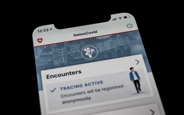 Lo que hasta entonces parecía una intromisión intolerable en la privacidad, ahora estas nuevas tecnologías sirven para rastrear la evolución de la pandemia. Foto: AFP.