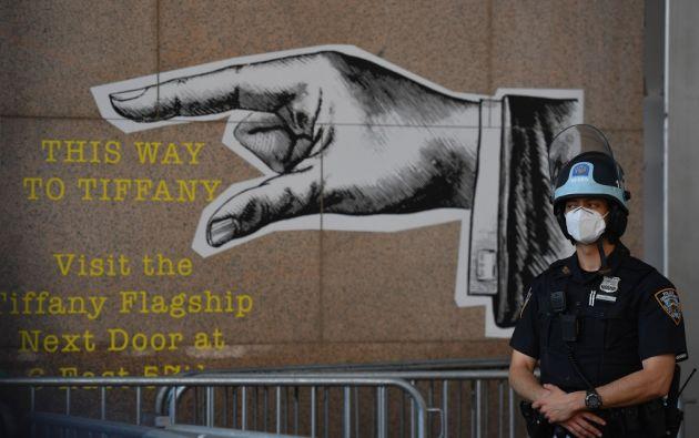 Las acciones tomadas en Nueva York, que llegan tras años de reclamos de la comunidad, surgieron tras las protestas, a veces violentas, por la muerte de George Floyd a manos de un policía blanco en Minesota. Foto: AFP.