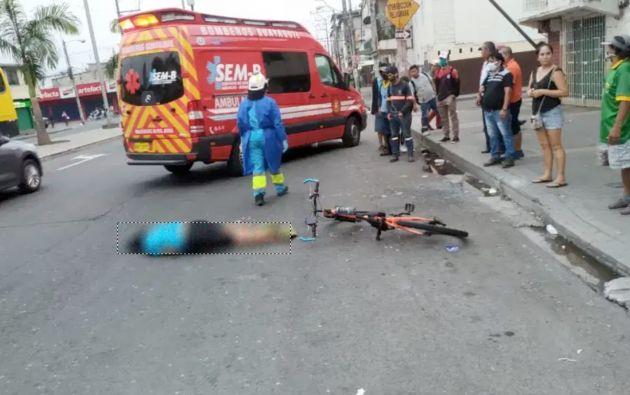 El atropello del ciclista ocurrió en las calles Portete y 37. Foto: Masa Crítica Guayaquil.