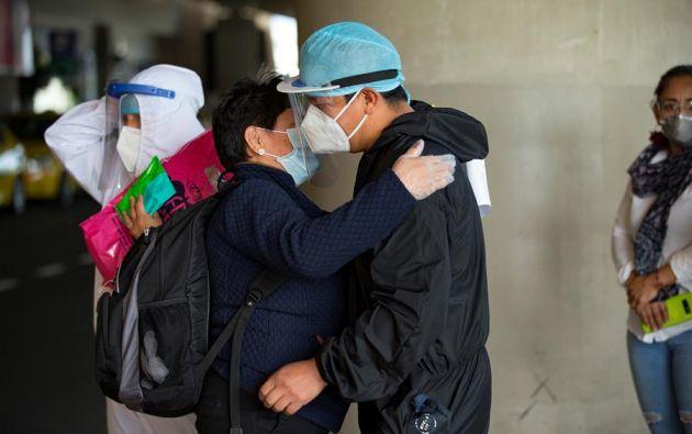 Actualmente hay 277 casos por cada 100.000 habitantes en Ecuador, donde el nuevo coronavirus ha matado a un promedio de 41 personas por día desde el primer fallecimiento. Foto: EFE