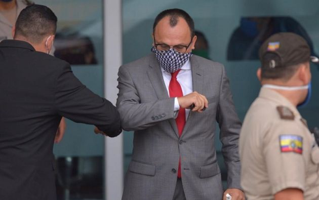 Juez Amado Romero acudió al Hospital Guayaquil, para constatar el estado de salud de Daniel Salcedo.