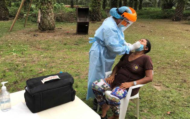 La Universidad San Francisco de Quito busca llevar cerca de 10.000 pruebas de COVID hacia pueblos amazónicos.