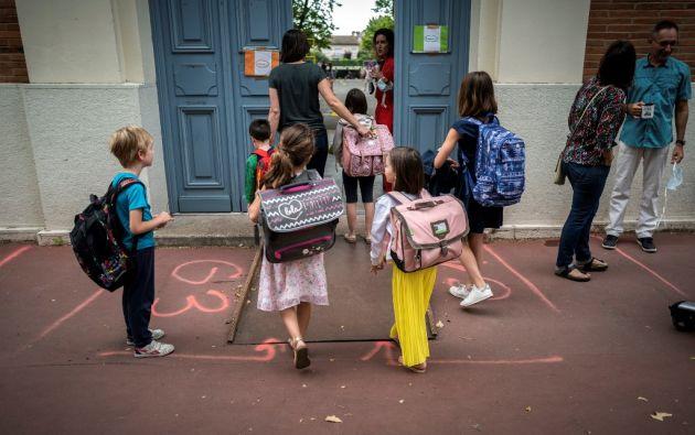 """""""Esto confirma lo que ya sabemos: los niños desarrollan formas leves de la enfermedad"""", recuerda Fontanet. Foto: AFP"""