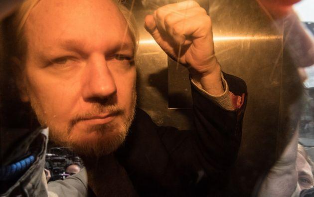 Assange ya enfrenta 18 cargos criminales en Estados Unidos y la última acusación no suma nuevos cargos, sino que amplía los ya existentes.