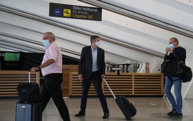La UE espera que relajar restricciones dé algo de oxígeno al turismo. Foto: EFE