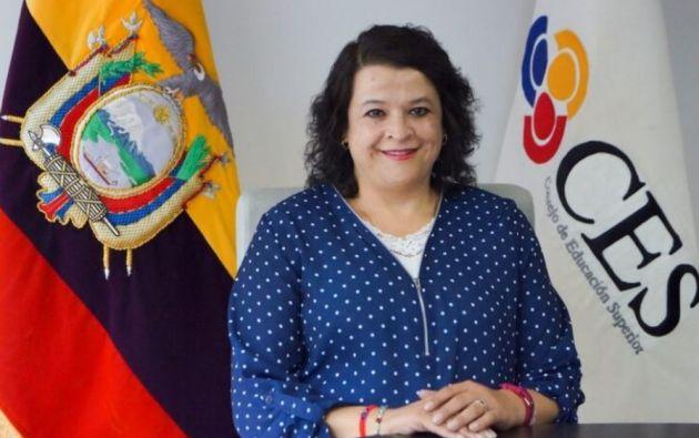 """""""Presento mis disculpas ante la ciudadanía en general y, en particular, para las y los ciudadanos autoidentificados como 'cholos'"""", dijo Vélez."""