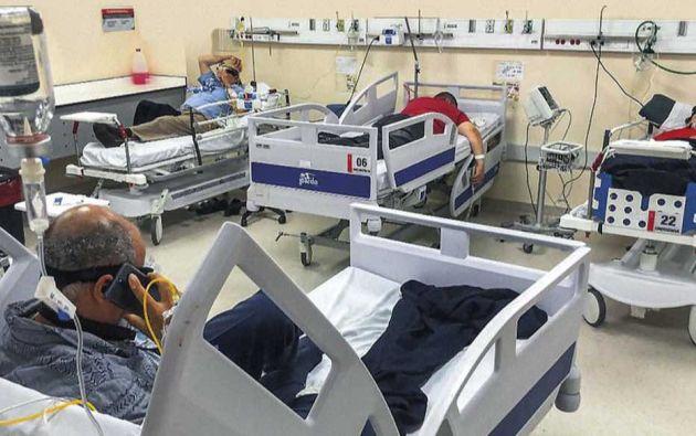 El hospital IESS Quito Sur aumentó su oferta disponible en todas las áreas. Adicionalmente, en los exteriores se adecuó un hospital móvil con capacidad para 80 camas. En la foto, el área de emergencias.