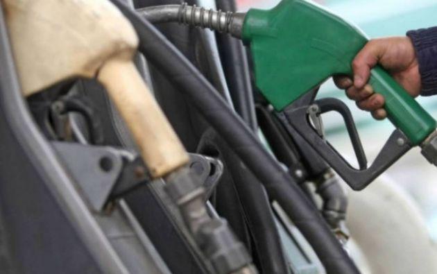 Entre el 11 de julio y el 10 de agosto, el precio de venta al público sugerido para la gasolina súper será de $ 2,24 por galón, para la extra y ecopaís $ 1,75, el diésel se venderá a $ 2 y la premium tendrá un valor de unos $1,0399.