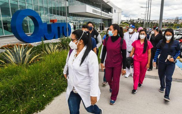 La ayuda del Municipio de Guayaquil consistirá de 10 carpas, 100 camas, 100 condensadores de oxígenos y más equipos que destinarán a la capital.