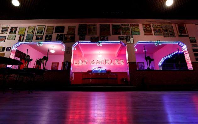 El salón ha subsistido gracias a los ingresos por rodajes de películas, series y videoclips. Foto: EFE.