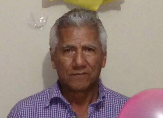 Sharon Ayala busca el cuerpo de su papá Luis Enrique Ayala Campoverde (70 años).