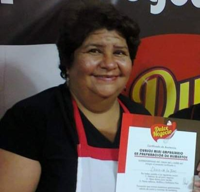 Priscila Soto busca el cuerpo de su mamá Doris Elvia De La Torre Tomalá (59 años).