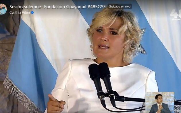 En la sesión por los 485 años de fundación de Guayaquil, la alcaldesa Cynthia Viteri destacó el trabajo de la ciudad en la lucha contra el coronavirus.