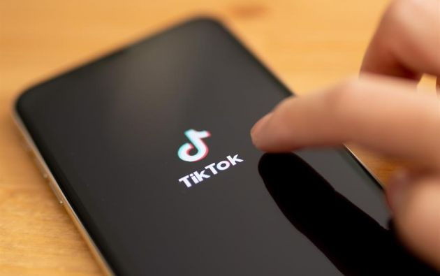 TikTok, desarrollada por ByteDance, con sede en Pekín, ha logrado un gran éxito entre el público adolescente. Foto: EFE