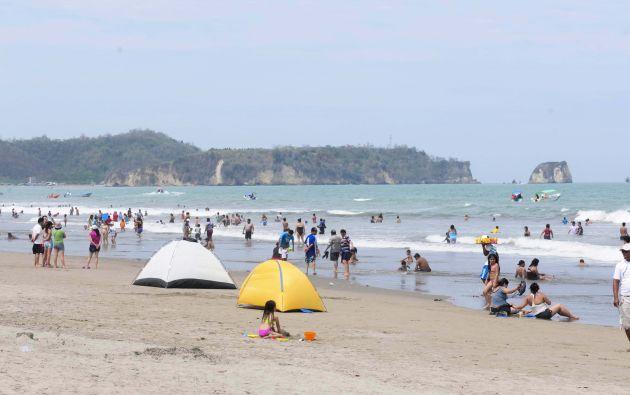 La playa de Las Palmas se mantendrá cerrada debido a incremento de casos confirmados de Covid-19 en el cantón Esmeraldas.