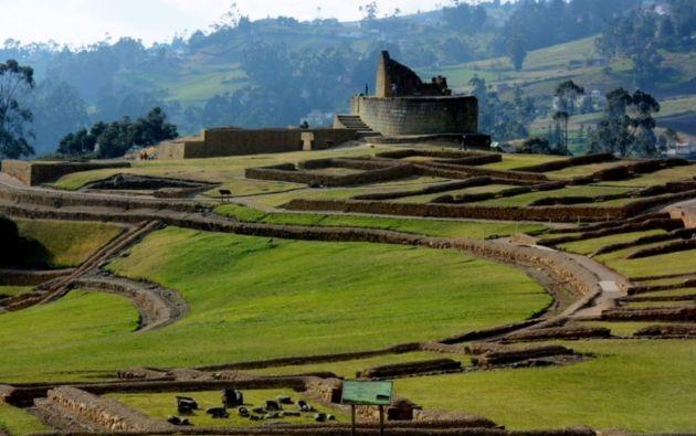 """Ingapirca, palabra quichua que significa """"muro o pared del inca"""", es el nombre con el que se designa a este yacimiento precolombino del sur andino de Ecuador."""