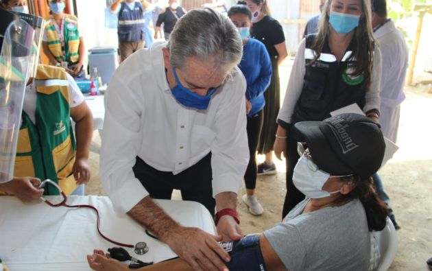 Según el ministro de Salud, Juan Carlos Zevallos, el país cumple con las condiciones para alcanzar ese objetivo. Entre esas destaca un adecuado microcosmos, es decir, diversidad de personas para realizar las pruebas.