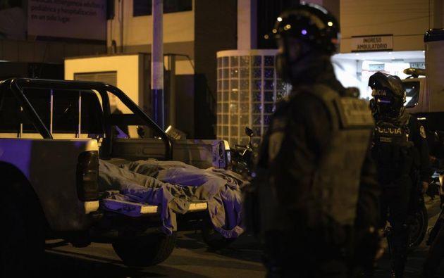 Las muertes se produjeron en la noche del sábado cuando gran parte de los alrededor de 120 asistentes a esta fiesta se atropellaron los unos a los otros y quedaron aplastados en una escalera. Foto: EFE.