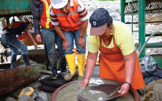 El instructivo está dirigido a personas naturales que trabajen de manera individual, familiar o asociativa en actividades de minería artesanal. Foto cortesía