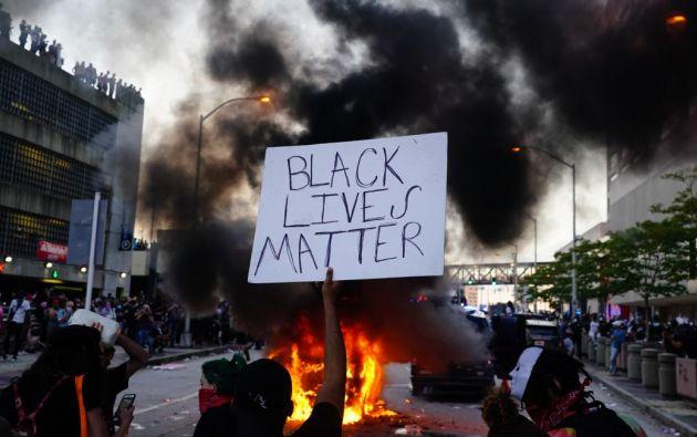 Para investigar el hecho, la policía pidió a los manifestantes que les otorguen las imágenes que tomaron con sus teléfonos.