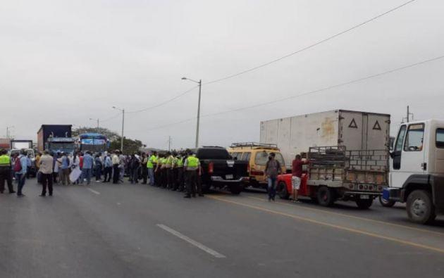 Varias vías de la provincia de Guayas fueron cerradas por representantes agrícolas.