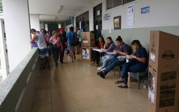 A criterio de Verdesoto prolongar dos horas las votaciones no significa posponerlas, sino garantizar la participación y la salud.