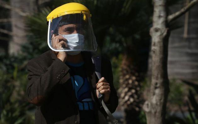 """""""Si bien este es ciertamente un virus respiratorio, debemos tener cuidado con la coagulación excesiva"""", señaló una especialista. Foto: EFE"""