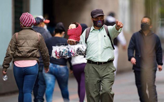 Entre los municipios con mayor número de contagios figuran Quito con 26.766, seguido de Guayaquil con 13.593. Foto: EFE