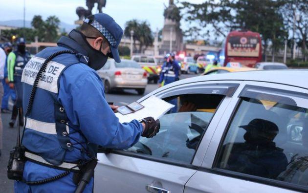 Las sanciones previstas para los conductores que hagan mal uso de salvoconductos es de 9 puntos menos en la licencia de conducir.