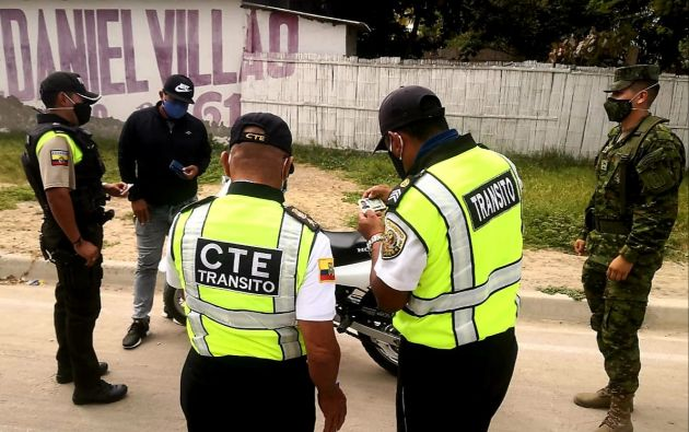La mayoría de denuncias contra agentes de la CTE por casos de corrupción son difundidas en redes sociales. Foto referencial: CTE