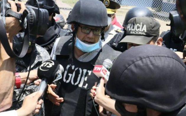 Mera, quien fue condenado a ocho años de prisión, fue custodiado por varios agentes policiales desde su domicilio hasta las instalaciones de la Policía Judicial del Guayas.