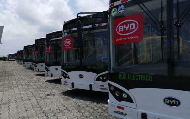 La cooperativa guayaquileña de buses Saucinc, mediante un crédito específico para transporte público eléctrico, fue la pionera en el sistema de movilidad pública sostenible en el país.