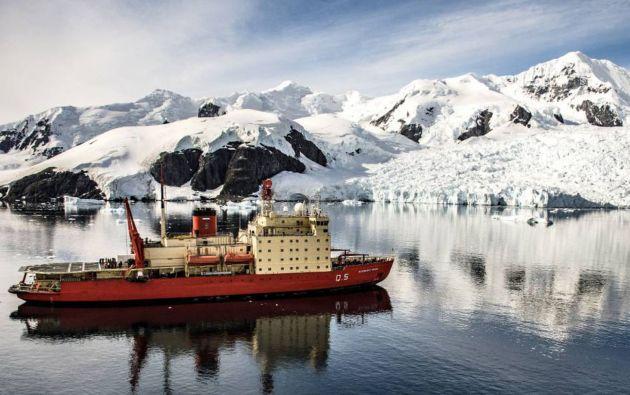 Buque oceanográfico operado por la Armada Argentina, en una de las misiones con científicos en el Atlántico Sur para determinar los límites de la plataforma continental.