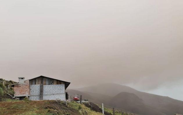 Se confirmó la presencia de una nube con contenido bajo de ceniza proveniente del Volcán Sangay moviéndose en dirección al occidente. Foto: Geofísico