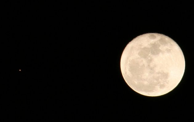 Así luce la luna esta noche. | Foto: @parias1
