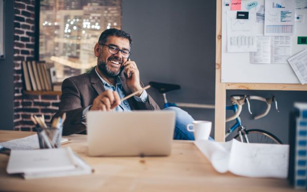Para promover la eficiencia de los colaboradores se debe enfocar el trabajo hacia la gestión de resultados.