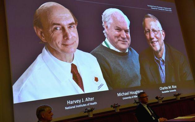 Dos estadounidenses, Harvey J. Alter y Charles M. Rice, y el británico Michael Houghton compartieron los honores. Foto: EFE