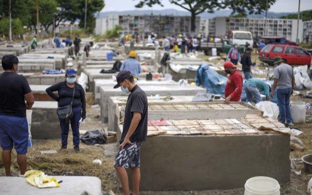 El Cementerio de Pascuales fue el camposanto que mayor cantidad de fallecidos por COVID-19 recibió durante las semanas pico de la enfermedad.