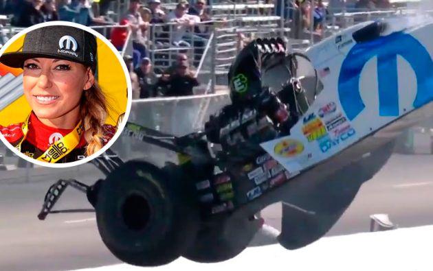 El video que rápidamente se viralizó muestra a Pruett saliendo del coche por sus propios medios.
