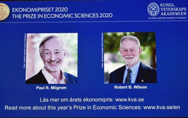 Los estadounidenses Paul R. Milgrom y Robert B. Wilson.
