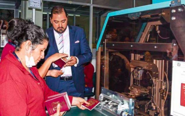 Por ahora solo en Quito se instalaron las impresoras para el nuevo pasaporte.