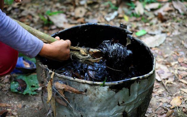 El derrame de petróleo registrado en abril equivale a unos 15.800 barriles de crudo. Foto: EFE.