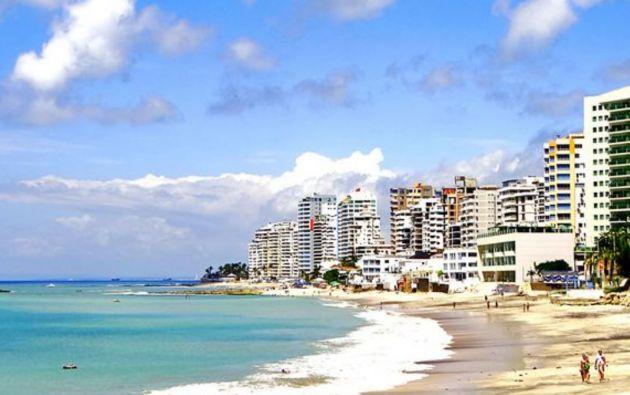 Balnearios de Esmeraldas, Manabí y Santa Elena abrirán al público con restricciones.