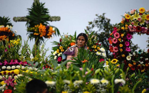 Mientras unos estados de México mantuvieron los panteones abiertos, para millones de familias la tradicional festividad transcurrió en casa. Foto: EFE.