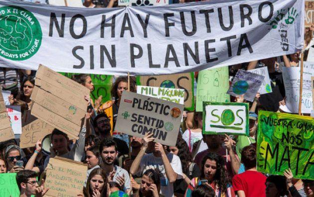 Manifestación convocada por el movimiento Fridays For Future, para exigir a los políticos que adopten medidas contra el cambio climático, 2019.  Foto: EFE
