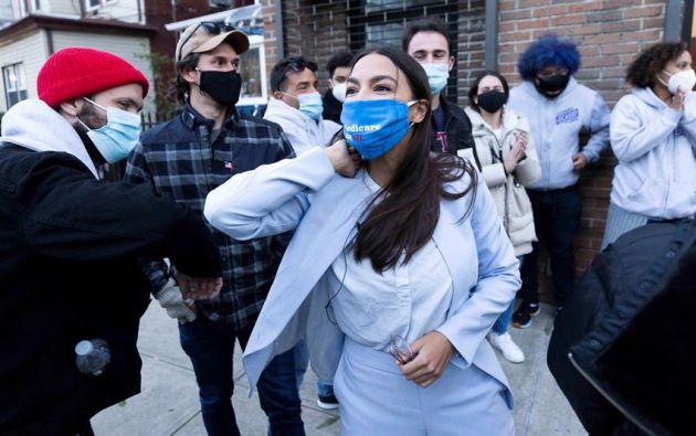 """""""Gracias Bronx y Queens por reelegirme para el Congreso a pesar de los millones gastados contra nosotros"""", dijo Ocasio-Cortez. Foto: EFE"""
